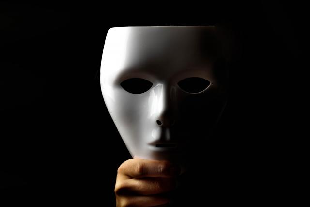 詐欺師の裏の顔